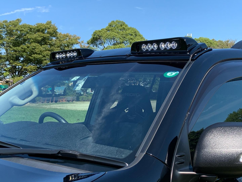 コロナの影響で大幅に入荷が遅れてしまった150プラド専用 ルーフライトパネル。今週末のGMG SUV祭り前にようやく入荷してくれたのでこちらを是非会場でチェックして頂きたい! フルパワー点灯時の明るさはもちろん 密かな売りはデイライトモード。。対向車からも眩しくない柔らかく光る点灯で昼夜問わず愛車のアピールが可能です✩.*˚ ・・#Elford #landcrulser #toyota #lexus #prado #lx #lx570 #gx #lc #lc200 #suv #4wd #parada #エルフォード #ランクル #レクサス #トヨタ #プラド150 #ランクル200 #ソニックアート #ルーフライトパネル #gmg #suv祭り